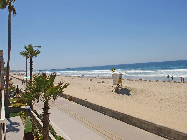 Beach Front Deluxe San Diego Vacation Rentals Details