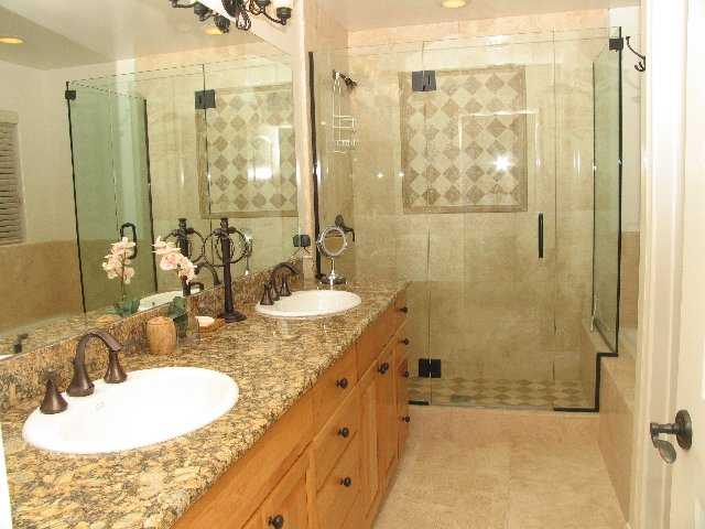 Brighton bay master bathroom san diego vacation rentals for Master bath pictures