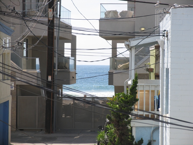 The grand mission multi family getaway sleeps 22 san diego for Multi family beach house rentals